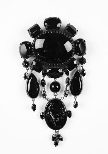 19th Century mourning jewelry-jet brooch