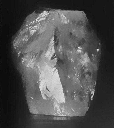 3106-carat-cullinan-rough-diamond