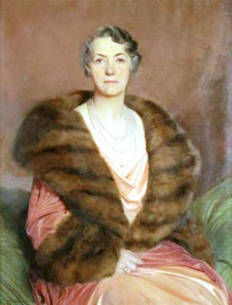 Anna Thomson Dodge wearing the three-strand Dodge Pearl Necklace