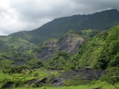 Another photograph of the Muzo mining area