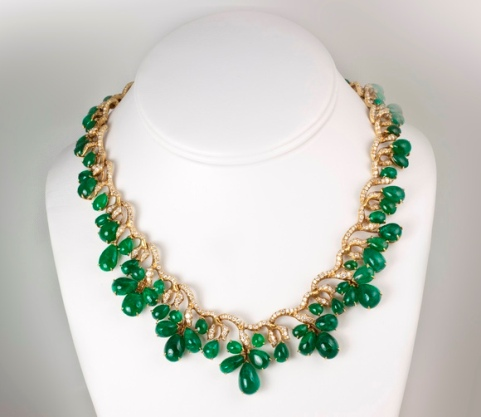 Another view of the Julius Cohen 18k yellow-gold emerald and diamond necklace