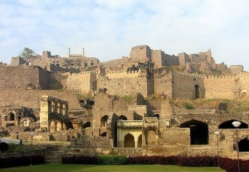 Another view of the ruined fortress of Golconda