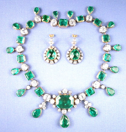 Catherine-the-great-marquis-of-lothian-emerald-and-diamond-necklace-with-earings