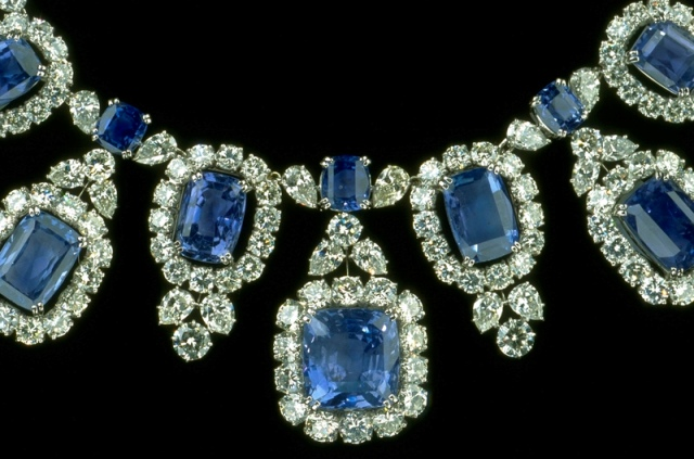 Close-up of the Hall Sapphire and Diamond Necklace showing two types of fringes