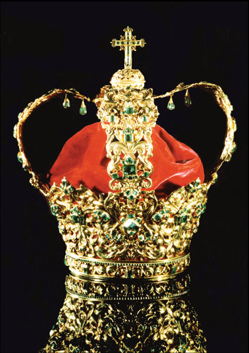 Crown of Andes, Famous Emerald Studded Gold Crown