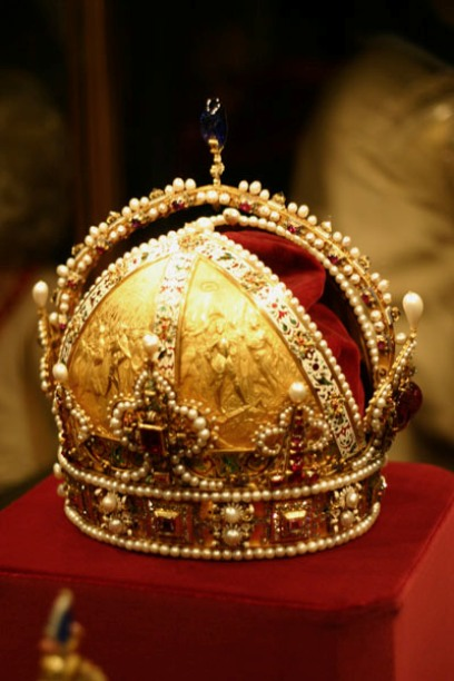 The Imperial Crown of the Austrian Empire made in 1602 by order of Archduke Rudolph II, Holy Roman Emperor from 1576 to 1612