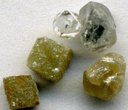Cubic and octahedral crystal habits of diamonds from Africa