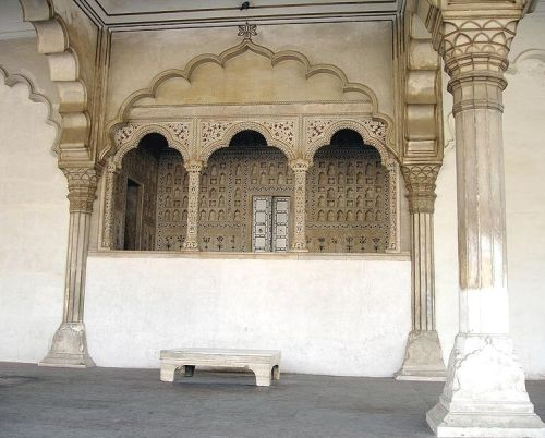 Place reserved for the Peacock Throne in the Diwan-i-am at the Agra Fort