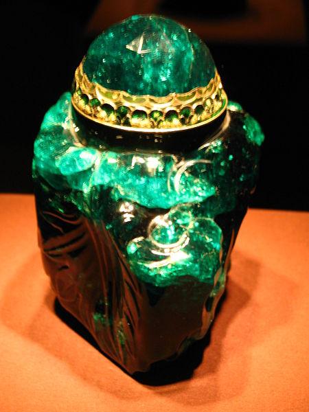 emerald-vessel-unguentarium-2860-carat-columbian