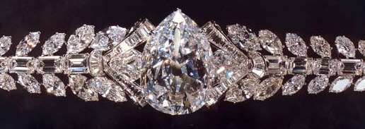 Mouawad has set the pear-shaped Excelsior I in an elaborate bracelet, which is shown in the photograph
