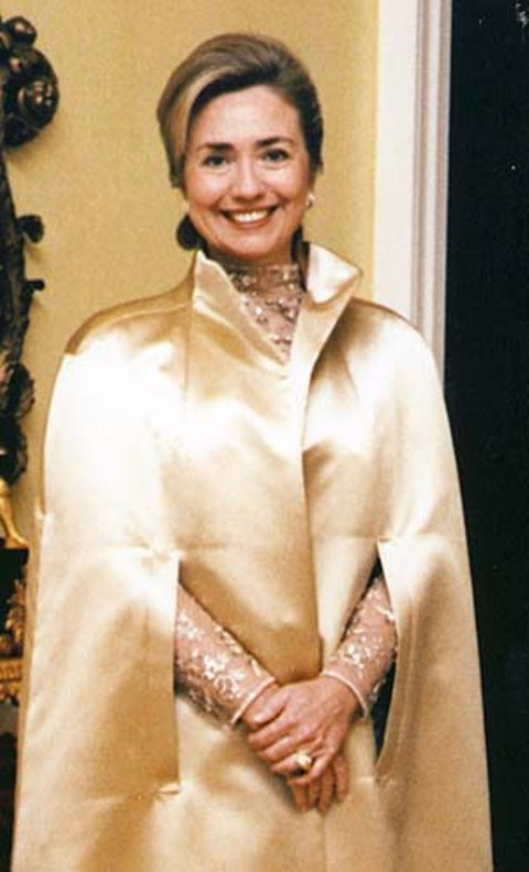 Official Portrait of First Lady Hilary Rodham Clinton wearing the Henry Dunay-designed Kahn Canary diamond ring for the 1997 inaugural ball
