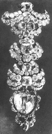Photograph of the last known setting of the Florentine diamond in a hat ornament.
