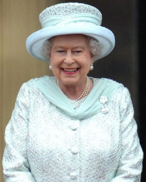 "Her majesty the queen wearing 'Grannys chips"" during diamond jubilee celebrations"