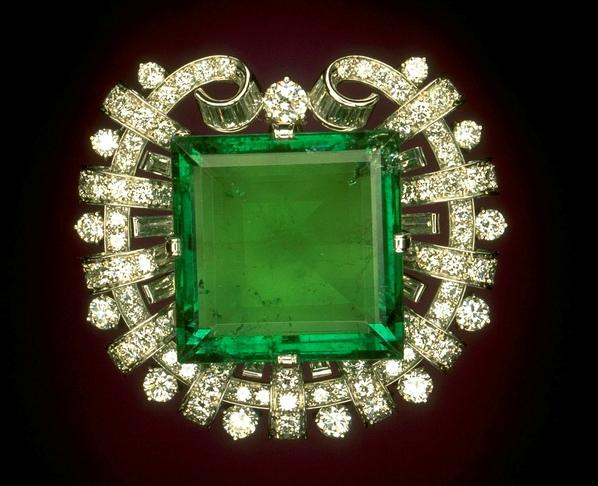 The Hooker Emerald Brooch