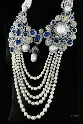 la-regente-pearl-mounted-on-a-boucheron-necklace-blue-sapphires-diamonds-and-pearls
