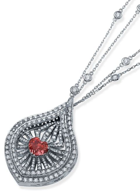 Tear-drop pendant with Lady Leilani Diamond as Centerpiece