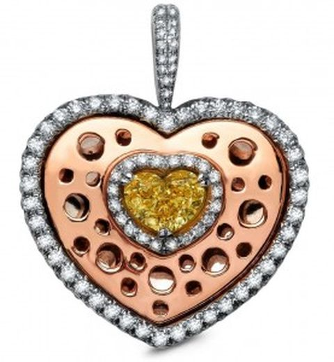 Lady Zahira heart-shaped pendant set with the Lady Zahira heart-shaped diamond as centerpiece
