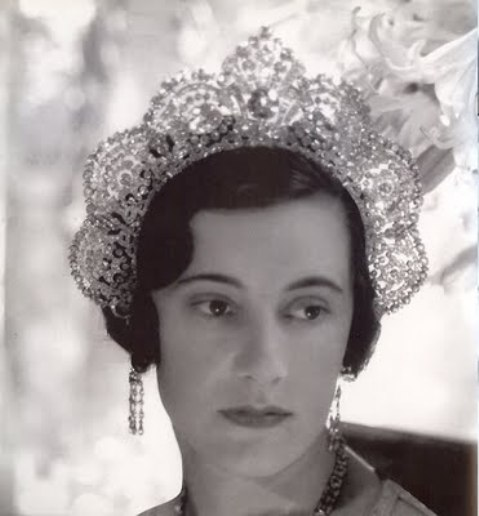 1931-Photograph by Cecil Beaton of Loelia Mary Ponsonby, the Duchess of Westminster wearing the famous halo-shaped Westminster tiara