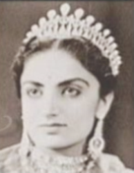 Maharani Mahindar Kaur of Patiala, wearing the Patiala Lovers Knot Tiara
