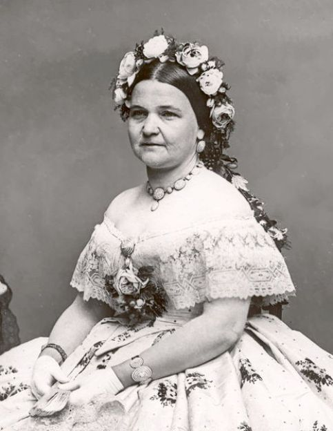 Another image of Mary Todd Lincoln wearing the seed pearl jewelry suite