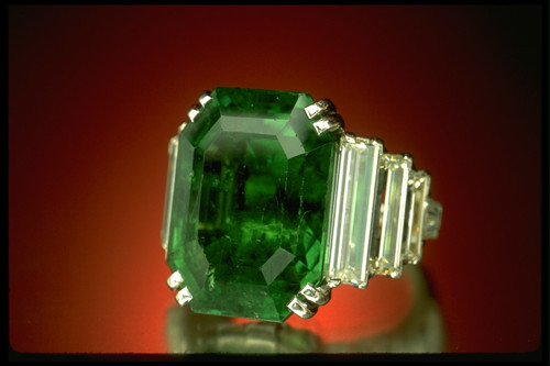 maximillian-emerald-ring-21-04-carat.jpg