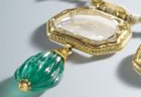 Mirror Diamond at the extreme left-side of the necklace