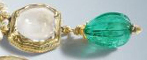 Mirror-diamond-at-the-extreme-right-side-of-the-necklace