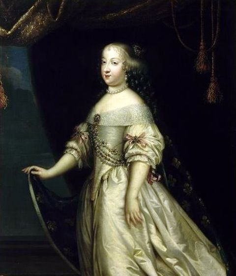 Portrait of-Maria-Theresa-Queen of-France-by-unknown-artist