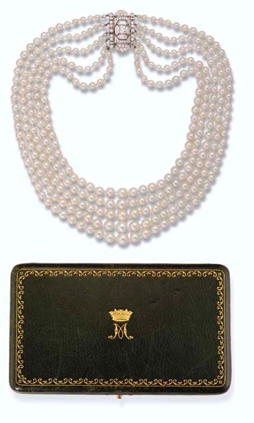 Princess Margaret's 5- Row Pearl and Diamond Necklace and Case