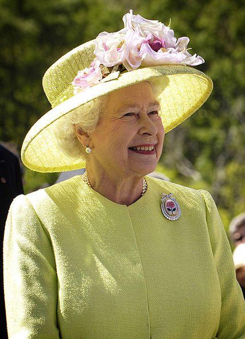 Queen Elizabeth II at NASA's Goddard Space Flight Center in 2007