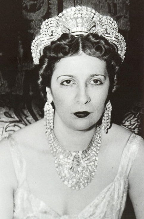 Queen Nazli after her Coronation in 1922