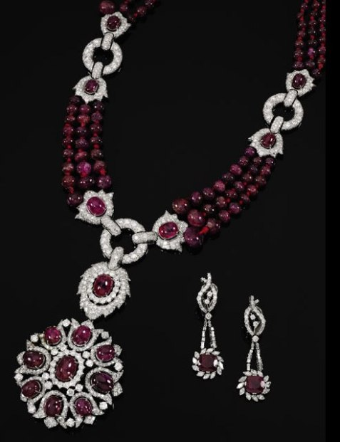 Countess Alina de Romanones ruby and diamond necklace/brooch combination and matching pair of ruby and diamond pendant earrings