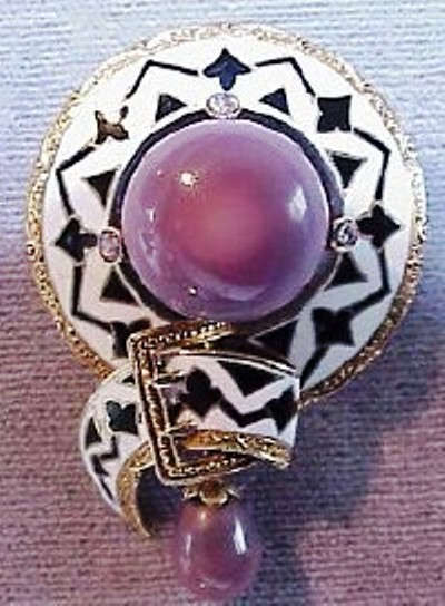 Golash Quahog Pearl Brooch, mounted with the Pearl of Venus