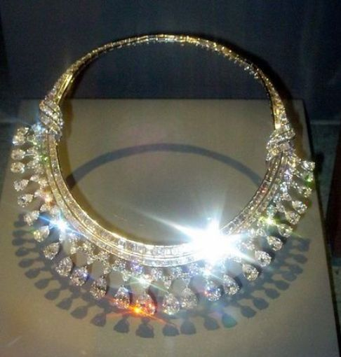 Hazen Diamond Necklace on Display at the Hall of Gelogy, Gems and Minerals of the NMNH of the Smithsonian Institution